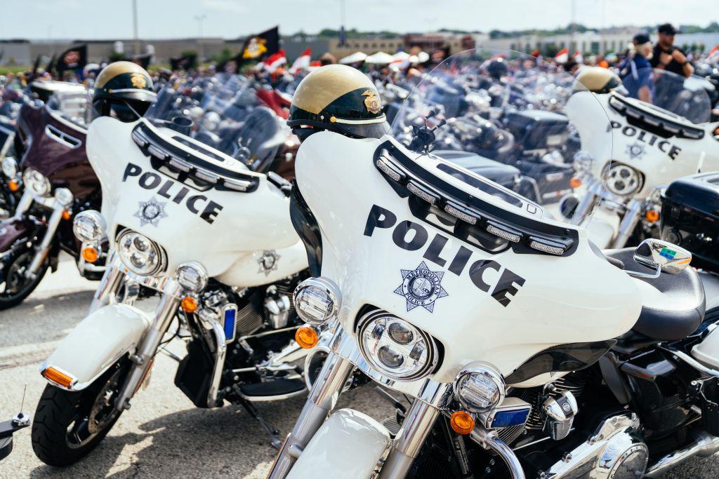 Police Harley Davidson mieten in USA EagleRider